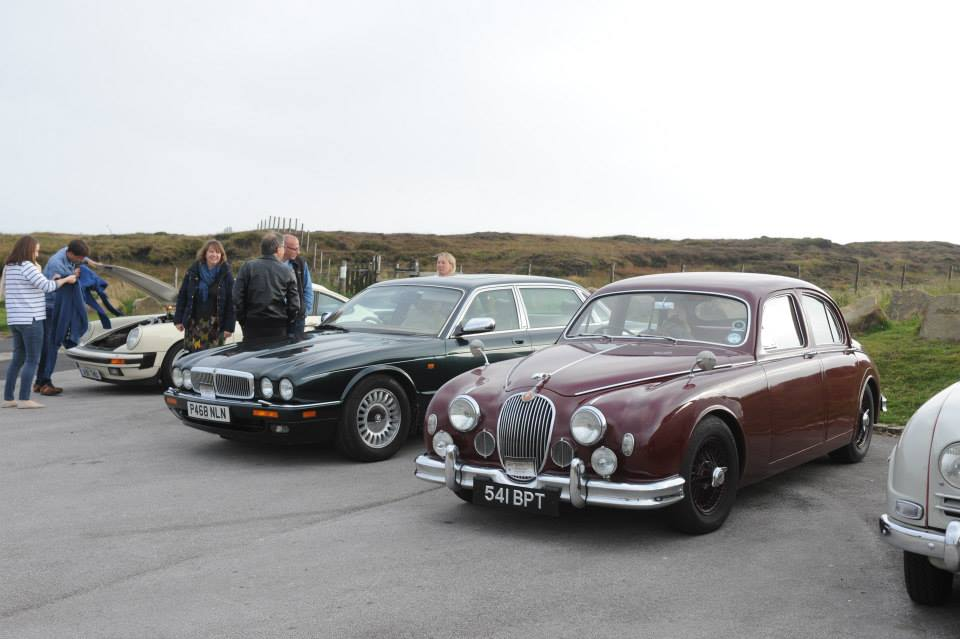 Brucie and Guy Loveridge's Mark 1 Jaguar at Holme Moss Viewpoint