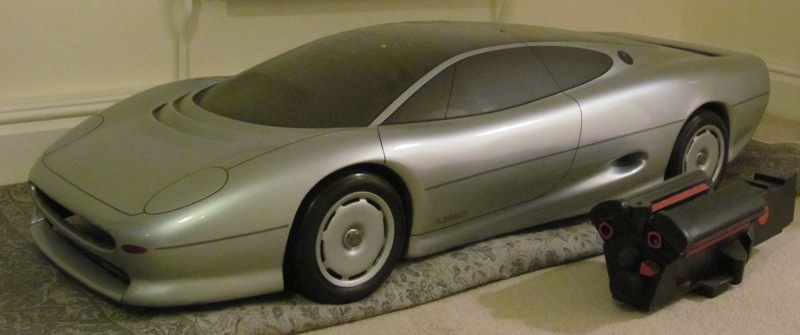 Quarter scale model Jaguar XJ220